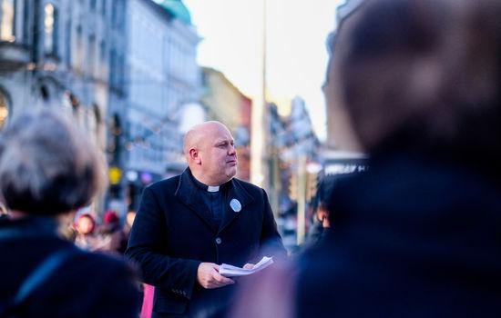 Kyrkjeleiarar demonstrerte mot vald